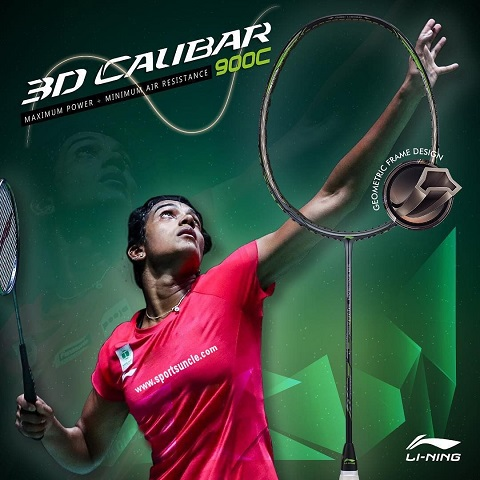 Raket badminton untuk smash keras